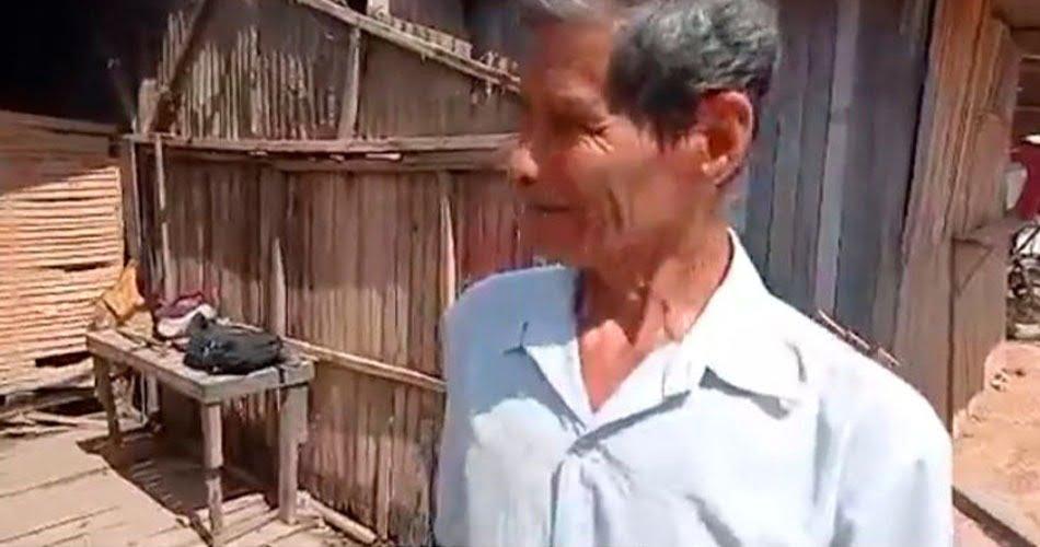 Adulto mayor que vivía bajo el agua recibió apoyo