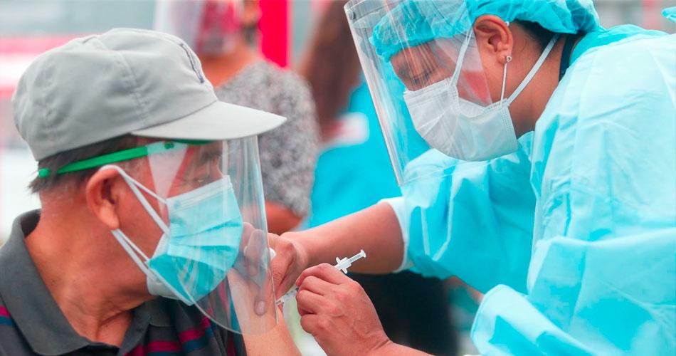 Empezará la vacunación de los adultos mayores de 60 años