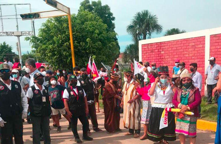 Representantes indígenas respaldan a Pedro Castillo